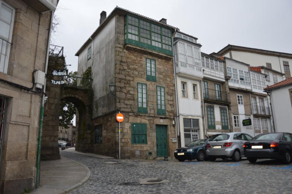 13 Arco de Mazarelos y Rúa de Mazarelos