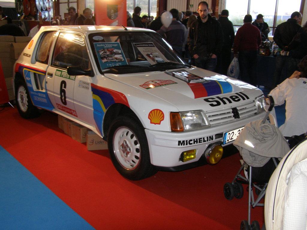 Peugeot 205 Turbo 16 Grupo B