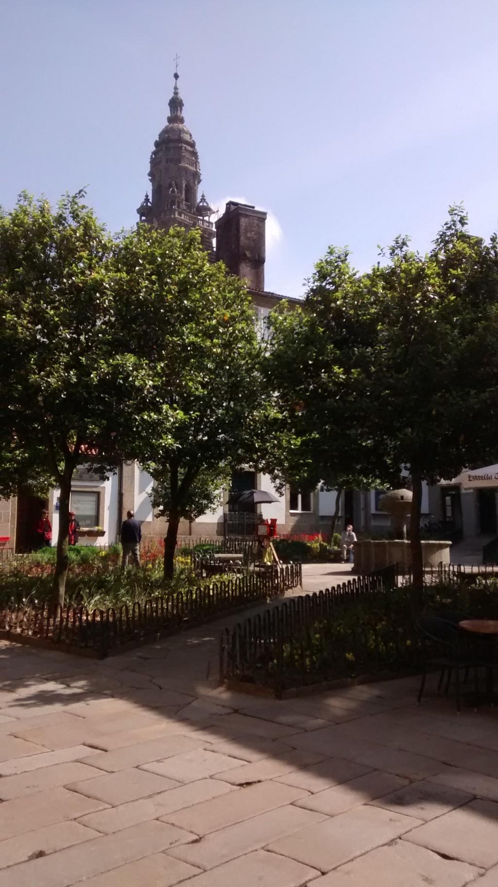 Plaza de Fonseca, al fondo torre de la Berenguela