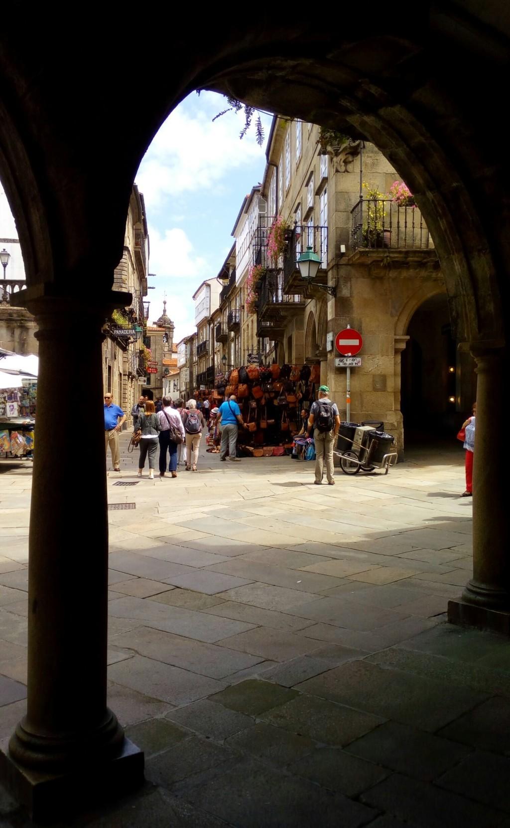 Foto 1 - Acceso a Rua Nova desde Rúa do Cantón do Toural