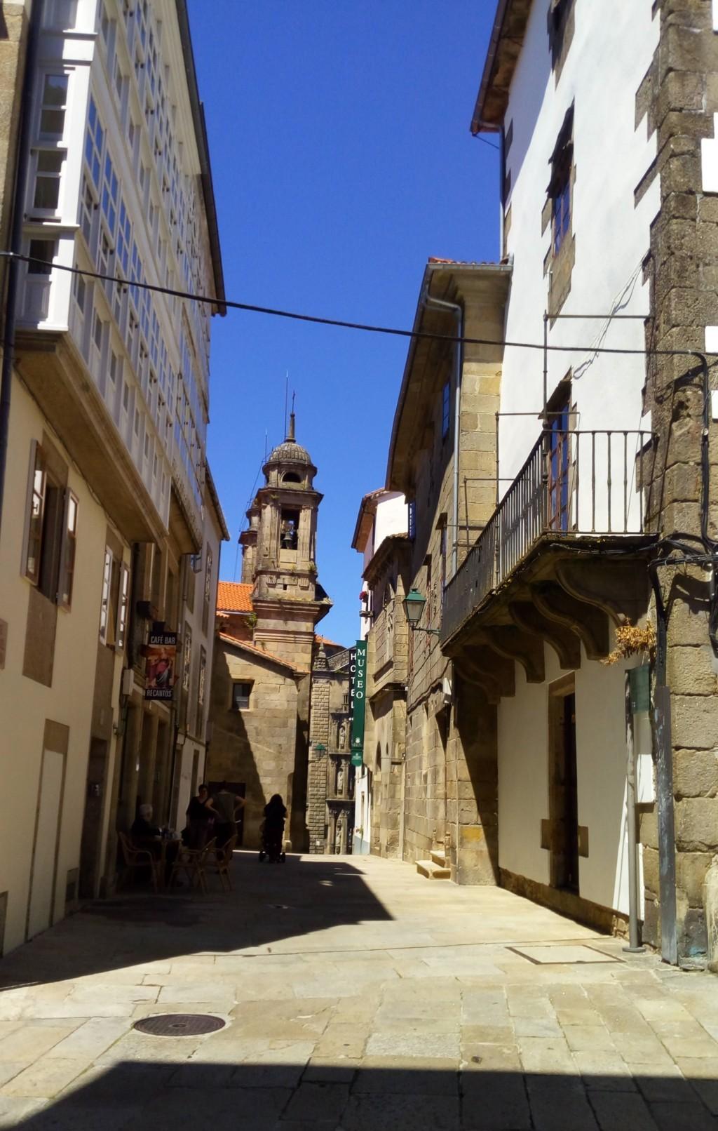 Foto 1 - Acceso a la Rúa de San Miguel desde la Rúa da Algalia de Arriba