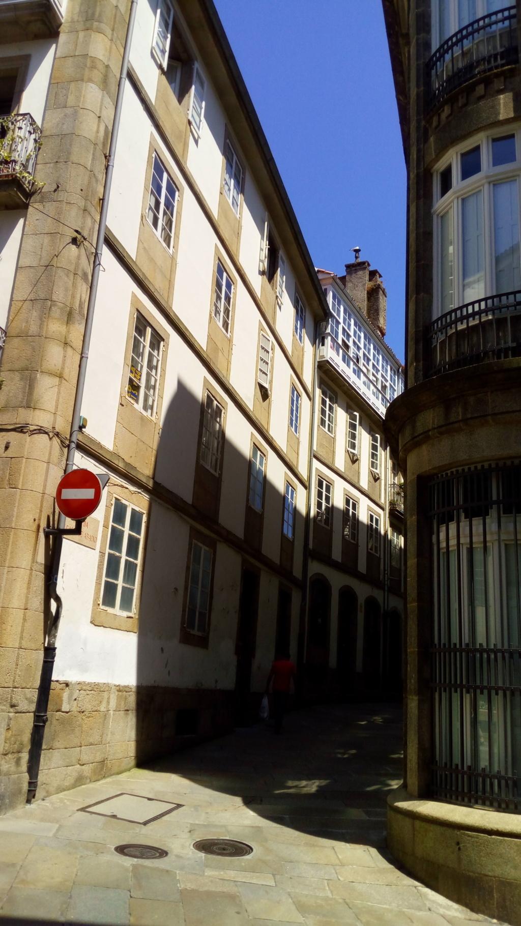 Foto 1 - Accediendo a la Rúa da Algaliua de Abaixo desde Rúa das Casas Reais
