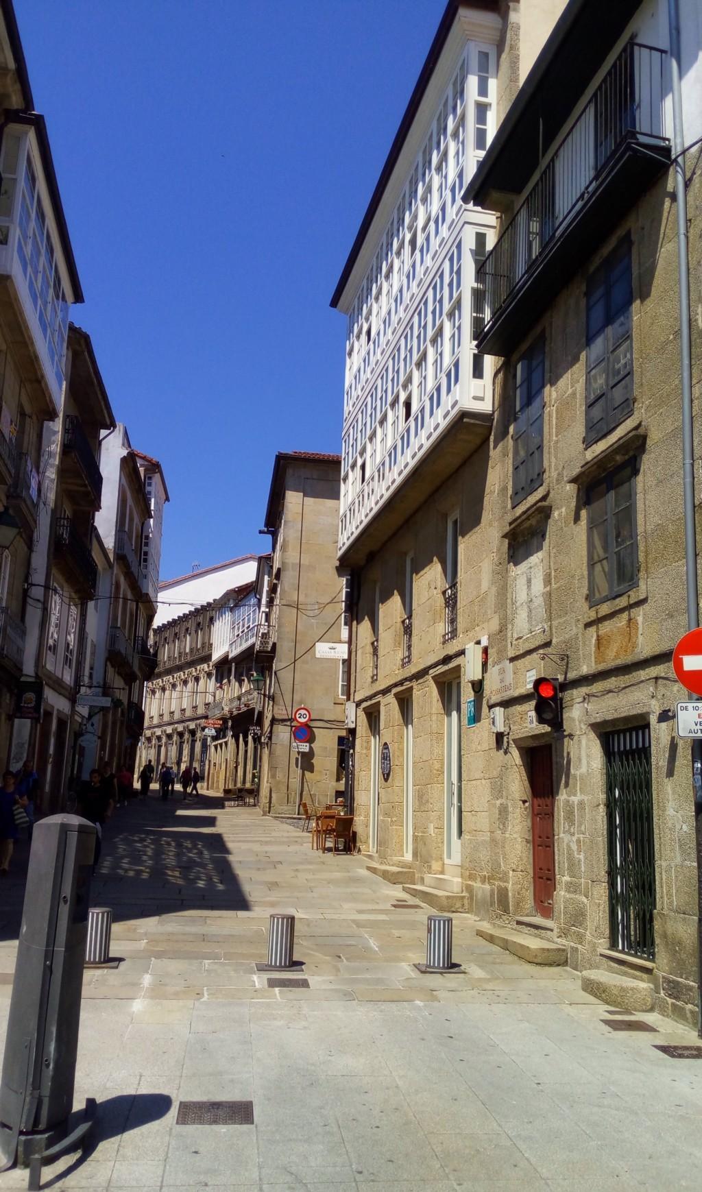 Foto 1 - Acceso a Rúa das Casas Reais dese A Porta do Camiño