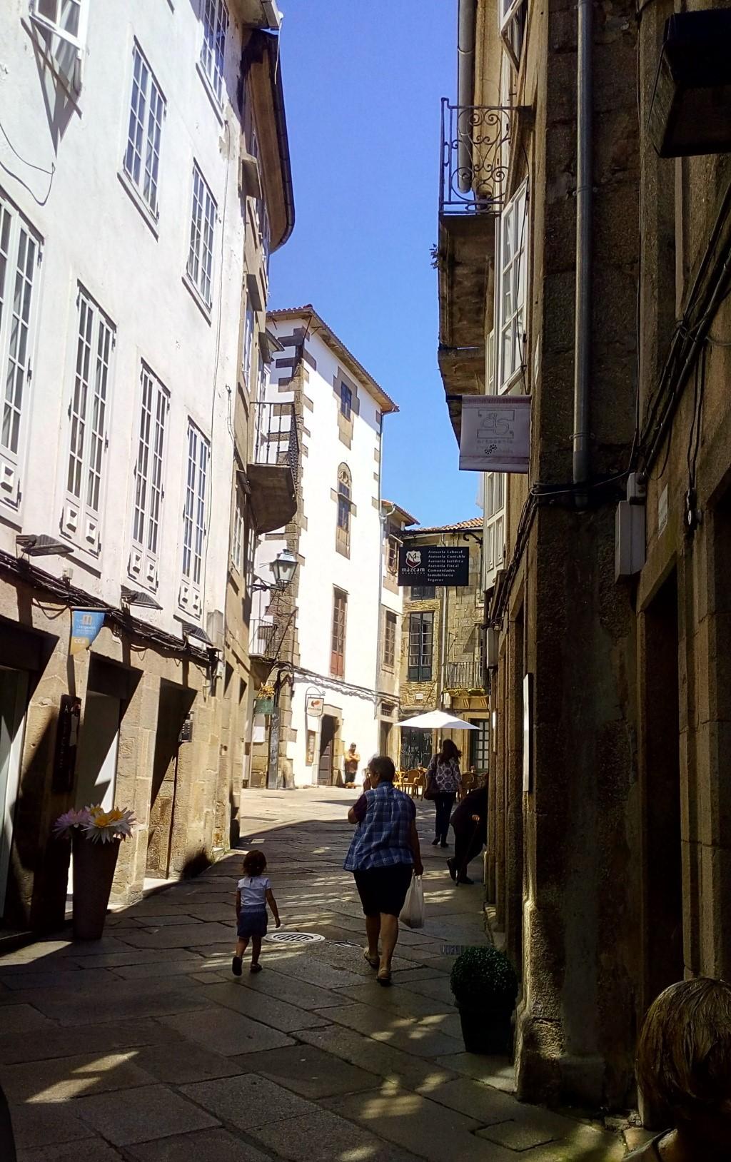 Foto 3 - A la izquierda, entrada a rúa San Miguel