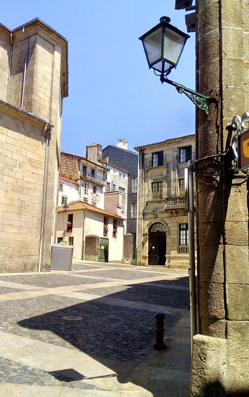 Foto 7 - A la derecha, Plaza de Salvador Parga