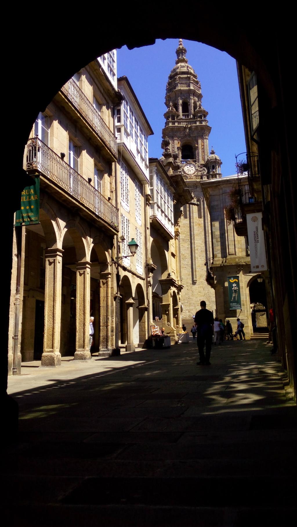 Desde la Rúa del Villar, Torre de la Berenguela o del Reloj (Catedral de Santiago)