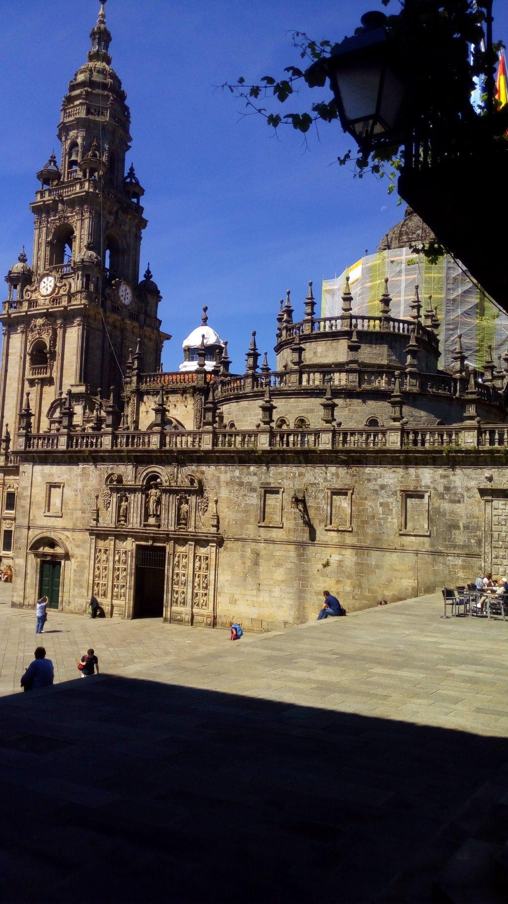 Acceso a la Quintana de Vivos desde la Via Sacra