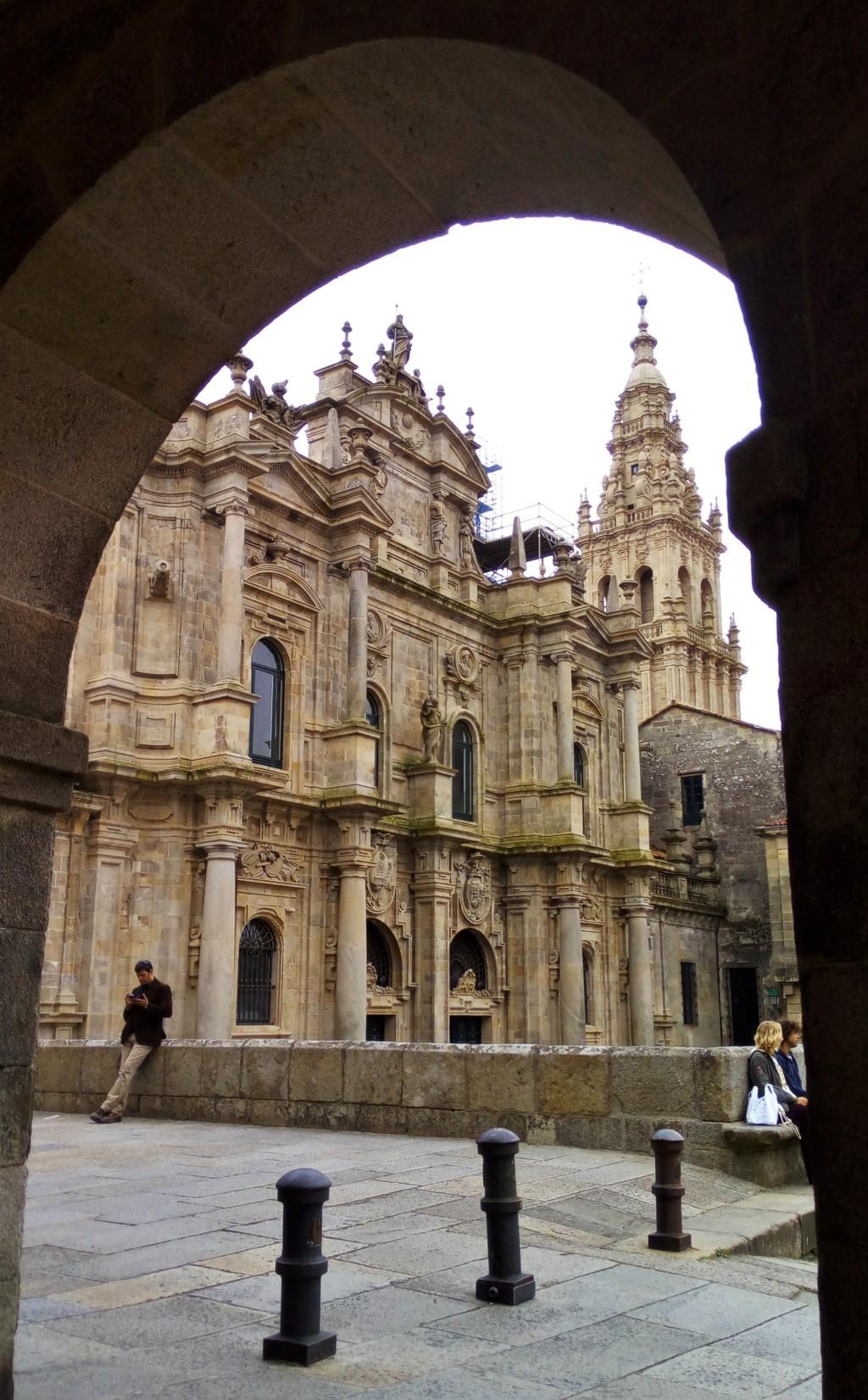 La Catedral y su frente a la Plaza de la Inmaculada