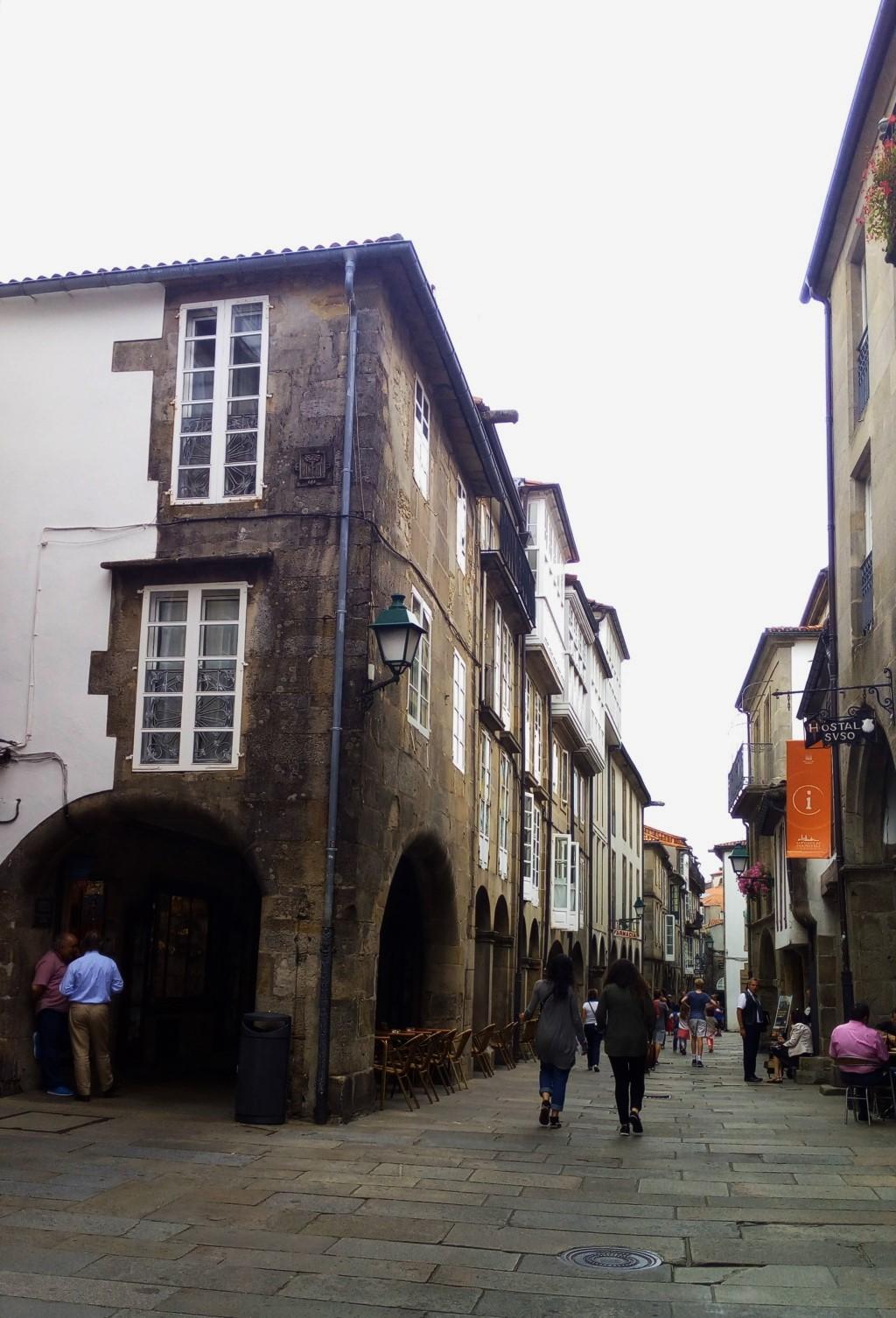 Siguiendo por la Rúa del Villar