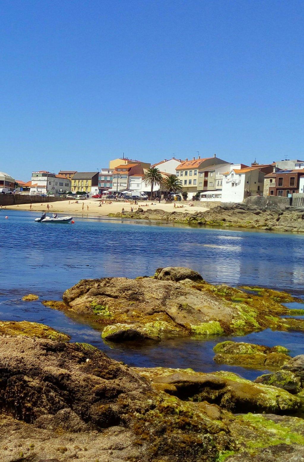 Vista de Corrubedo y playa de A Robeira