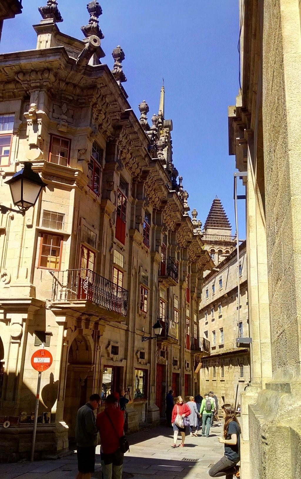 Casa del Cabildo desde Rúa de Xelmirez
