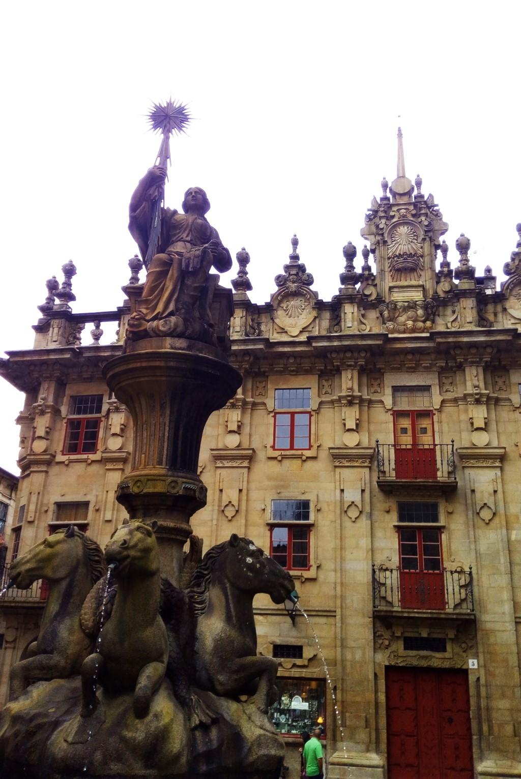 Casa del cabildo desde la fuente